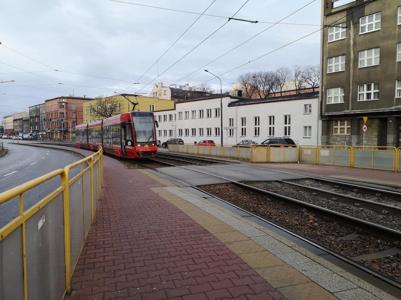 Wypadek w Katowicach: tramwaj przejechał studentkę