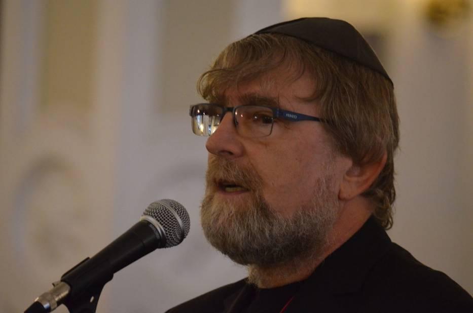 Publiczność powitał Adam Baruch, dyrektor artystyczny Singer Jazz Festival