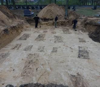 Zakończyły się prace na cmentarzu w Kraśnicy, szukali tam szczątków Hubala [ZDJĘCIA]