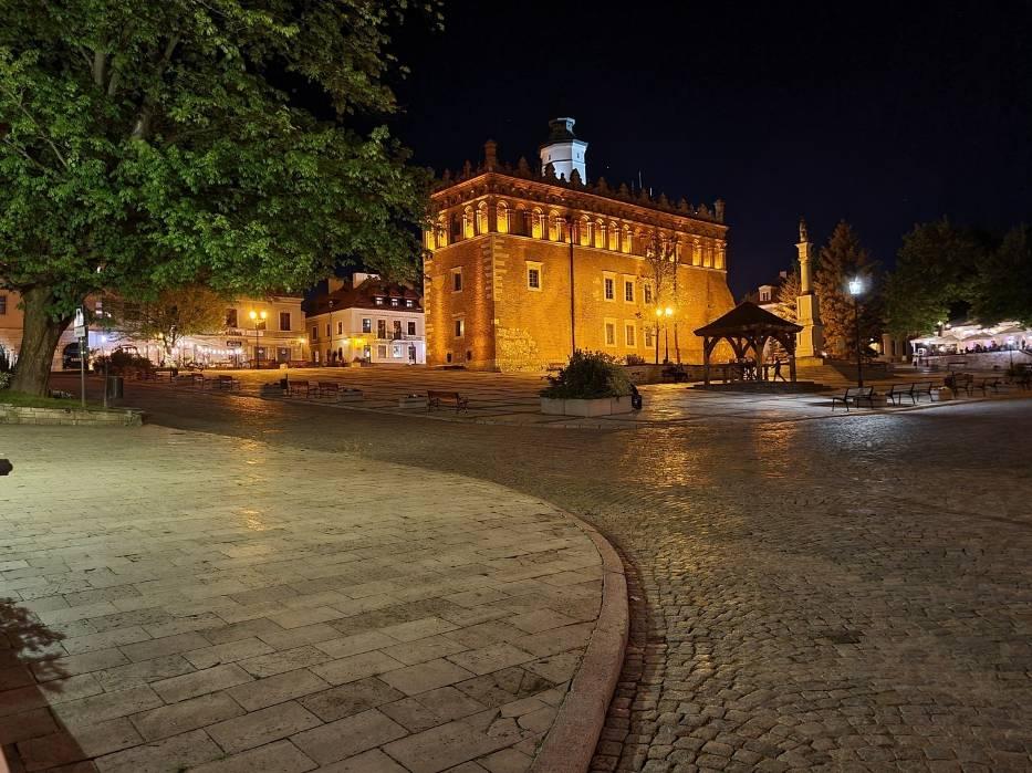 Sandomierz nocą. Zobacz, jak pięknie wygląda Królewskie Miasto (ZDJĘCIA)
