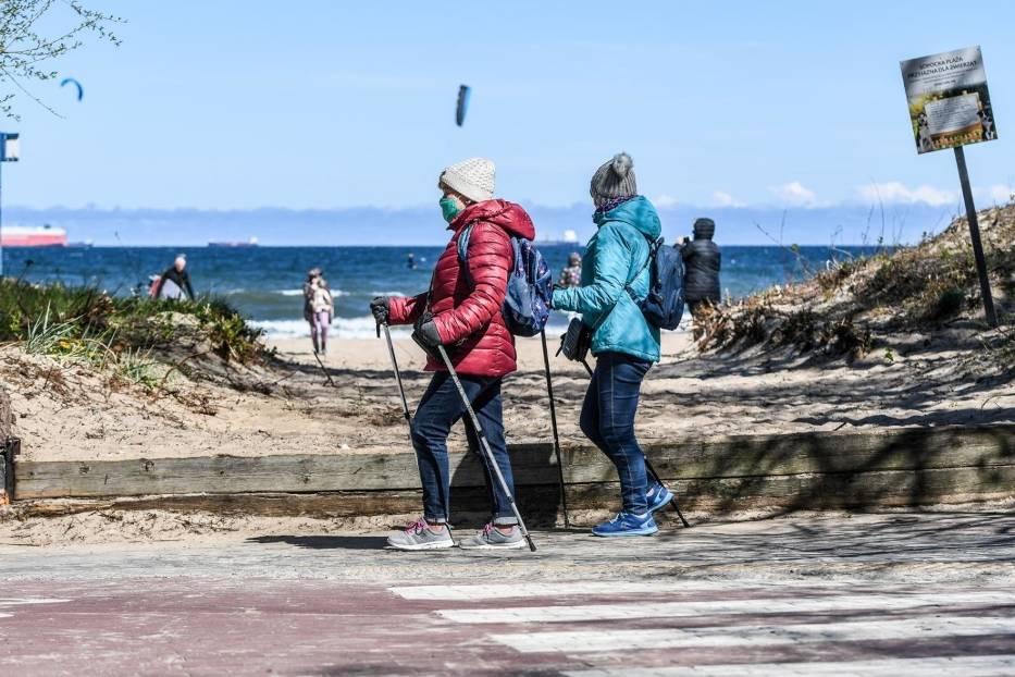 Wielu mieszkańców Trójmiasta postanowiło aktywnie spędzić sobotni dzień (25 kwietnia) na plażach, w parkach czy lasach