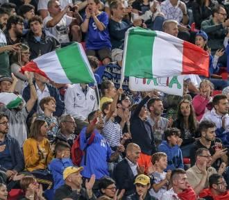 A jednak, włoscy kibice polecą na finał EURO. Ilu i za jaką cenę?