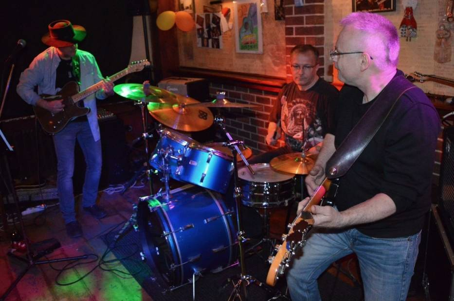 The BR BAND to klasyczne trio blues-rockowe, złożone z doświadczonych śląskich muzyków
