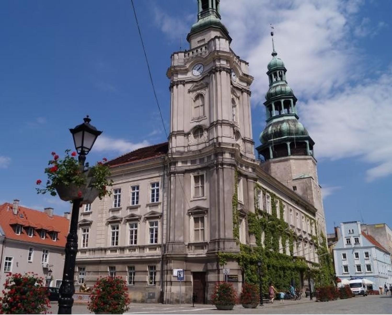 Konserwatorską dotację wykorzysta samorząd Szprotawy na remont dachu magistratu
