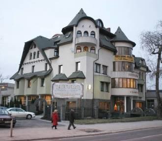 """Hotel """"Czarny Kot"""" w Warszawie. Jest ostateczny wyrok NSA. Budynek do rozbiórki"""