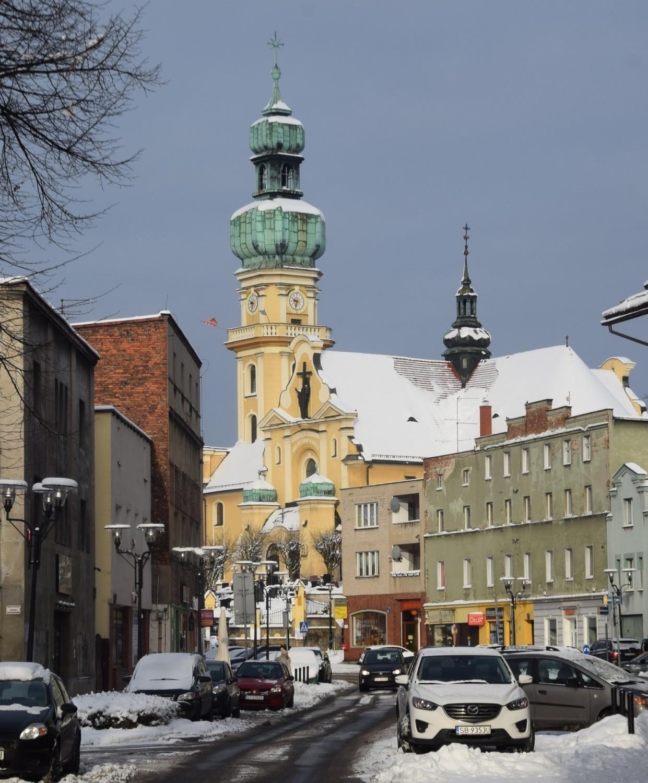 Tychy zimą - kościół św