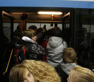 Strach przed koronawirusem. Ograniczenia w liczbie pasażerów w Gdyni