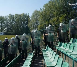 Policyjne szkolenie na stadionie w Szombierkach (zdjęcia i wideo)