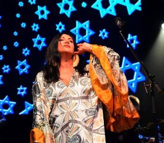 Onelight Świąteczny Festiwal Kultur. Zalewski, Nosowska i Herbut na wyjątkowym wydarzeniu