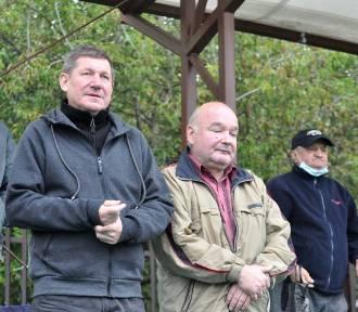 Kibice na drugoligowym meczu piłkarzy Garbarni Kraków z Bytovią Bytów