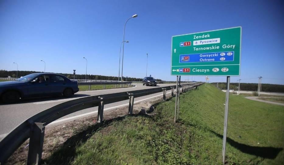 Budowa drugiej jezdni na odcinku S 1 Podwarpie - PyrzowiceBudowa drugiej jezdni S1węzła Podwarpie do Pyrzowic bardzo ważna inwestycja, bo też chodzi o strategiczną drogę z aglomeracji śląsko-zagłębiowskiej do lotniska w Pyrzowicach