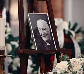 Pożegnanie ks. prałata Andrzeja Kowalczyka. Kapłana pochowano na cmentarzu w Oliwie