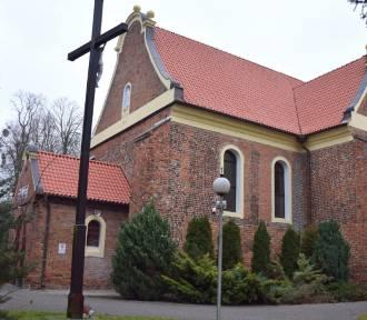 Zabytkowy kościół w Sobótce ma nową dachówkę
