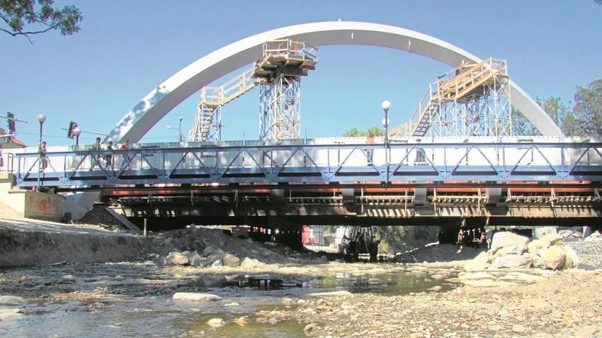 Budowa mostu w Andrychowie