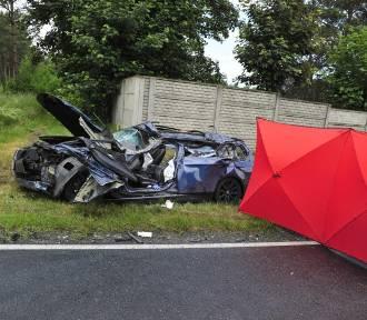 AKTUALIZACJA. Śmiertelny wypadek na drodze 432. Zobaczcie zdjęcia [FOTO]