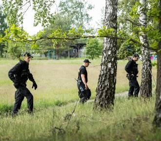 Trwają poszukiwania Piotra. Policja znalazła buty i spodnie