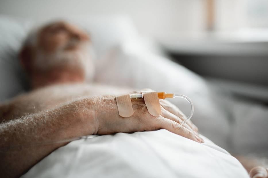 Śmiertelność pacjentów leczonych w szpitalach zależy nie tylko od ich wieku