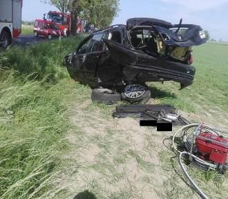 Śmiertelny wypadek na drodze Siedlisko-Wieleń. Nie żyje kierowca bmw