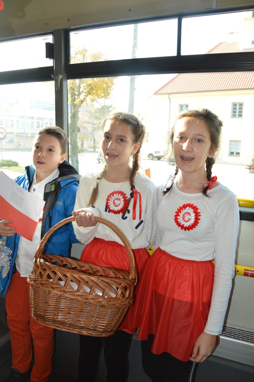 Uczniowie SP nr 2  uczcili 100-lecie niepodległości Polski