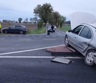 Zderzenie dwóch pojazdów na DK 32. 9-letnie dziecko trafiło do szpitala
