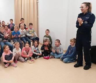 Kartuscy policjanci rozmawiali z najmłodszymi o bezpieczeństwie - ZDJĘCIA