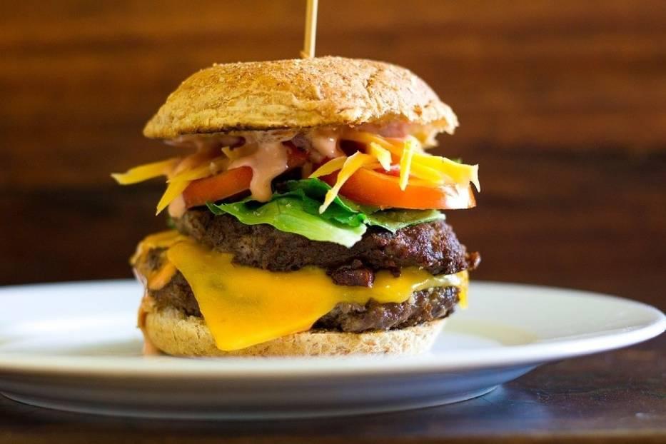 Gdzie jedliście najsmaczniejsze burgery w województwie opolskim? O to zapytaliśmy internautów na naszym fanpejdżu nto na Facebooku