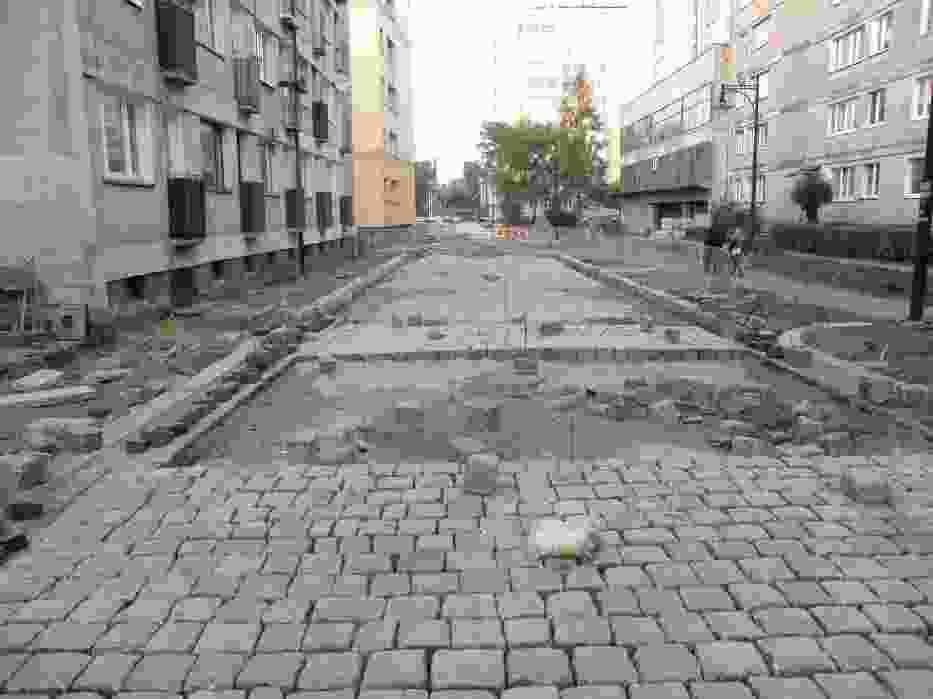 Realizacja tej inwestycji przyczyni się nie tylko do poprawy lokalnego układu komunikacyjnego, ale także do odtworzenia staromiejskiego klimatu śródmieścia Legnicy