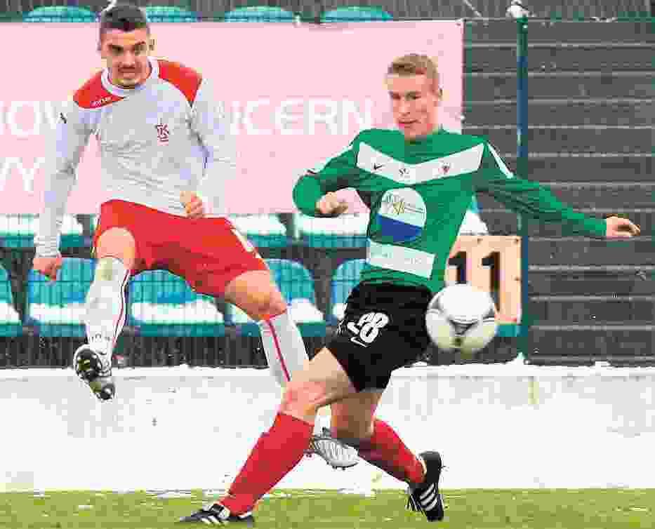 Konrad Kaczmarek w meczu z GKS Tychy wywalczył rzut karny i strzelił samobójczego gola
