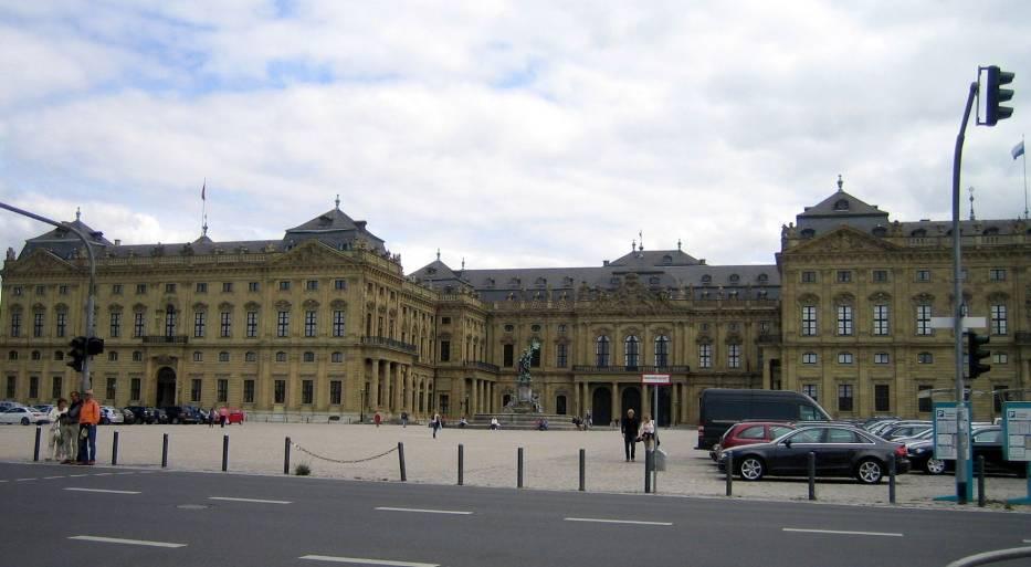 Rezydencja słynie z bogato zdobionych wnętrz