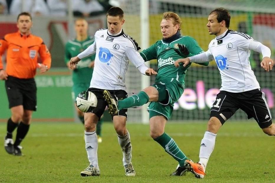 Ariel Borysiuk (z lewej) podczas meczu ze Śląskiem Wrocław