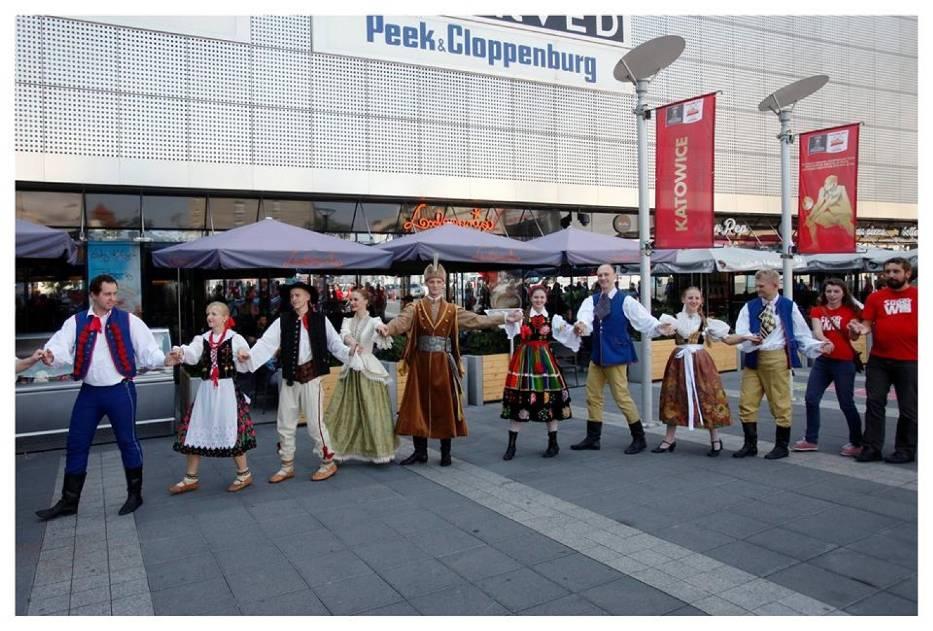 """Zespół Pieśni i Tańca """"Śląsk"""" wspiera Szlachetną Paczkę"""