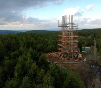 W sobotę otwarcie kolejnej wieży widokowej w Sudetach  (ZDJĘCIA)