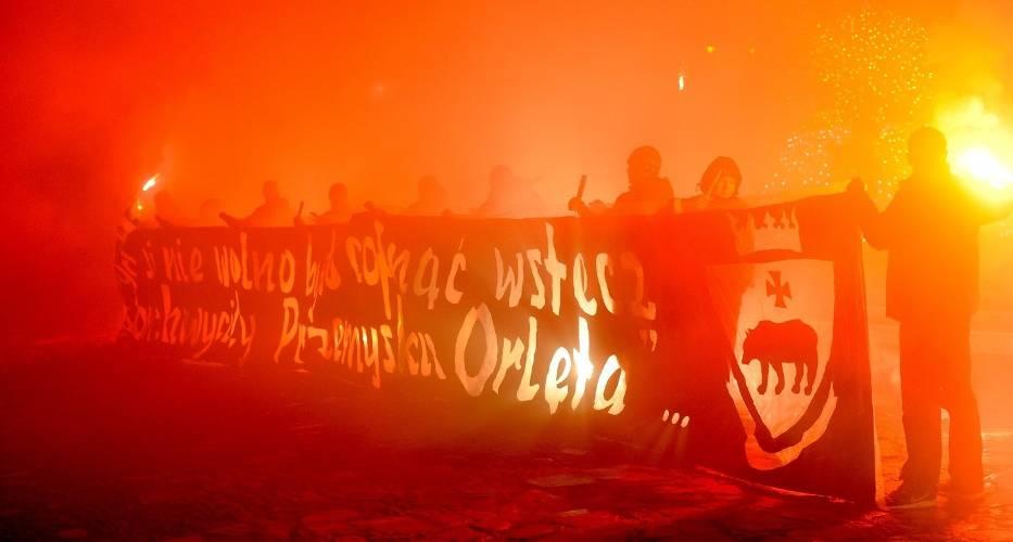 Ulicami Przemyśla przeszedł marsz upamiętniający bohaterstwo Orląt Przemyskich i Lwowskich w 98