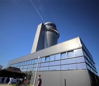 """Nowa wieża kontroli lotów na lotnisku otwarta. Oto """"Królowa"""""""