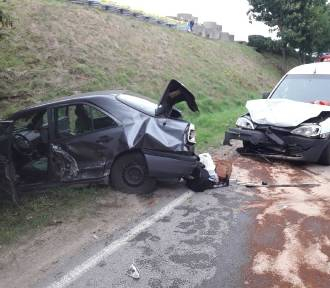 Zderzenie trzech aut pod Sierakowicami, są ranni