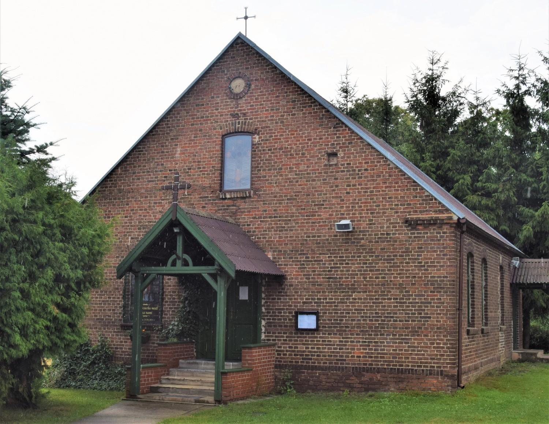 Kaplica filialna św. Wojciecha to dawna kaplica protestancka wzniesiona na początku XX wieku