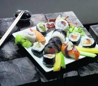 Lubisz sushi? Sprawdź jak przygotować je w domu. To nie takie trudne!