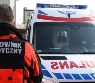 Mężczyzna wypadł z dźwigu podczas pracy i trafił do szpitala