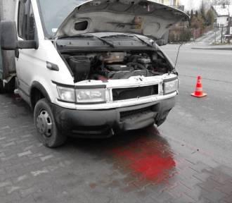 Chełmiec. Ciężarówka wjechała w opla. Kierowca osobówki w szpitalu