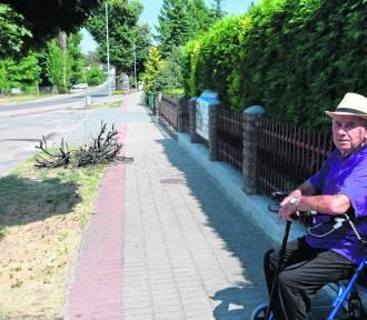 Ulica Ujska w Chodzieży: Mieszkaniec apeluje o remont chodników