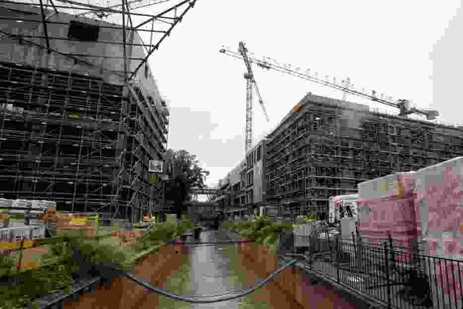 Inwestor budujący kompleks Forum Gdańsk w centrum miasta, planuje - za zgodą miejskich urzędników - budowę drugiego dna na odcinku zabytkowego Kanału Raduni