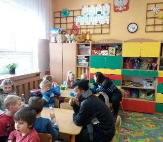 Wolontariusze z Indonezji realizują Międzynarodowy Projekt Kidspeak w Lublewie
