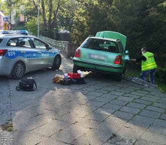 Cztery radiowozy ścigały uciekiniera w Wałbrzychu. Rozbite samochody, radiowóz i autobus [ZDJĘCIA]