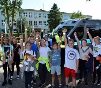 Policjanci z puckiej komendy spotkali się z młodszymi uczniami powiatu puckiego