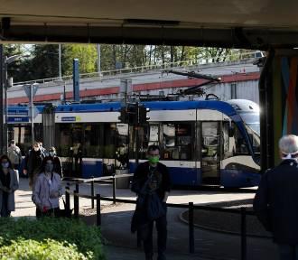 Pasażerowie komunikacji miejskiej dostaną darmowe maseczki