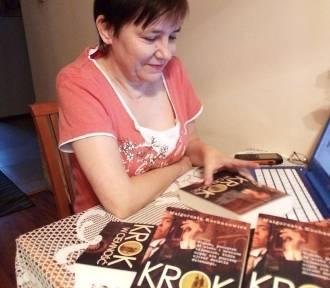 Krok w ciemność - najnowsza książka Małgorzaty Kochanowicz z Włocławka