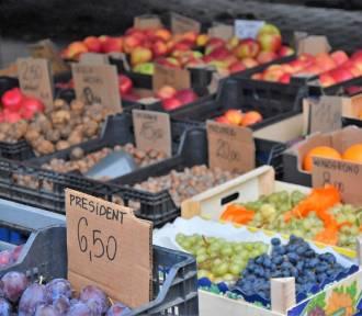 Sławno. Cennik owoców i warzyw z targowiska ZDJĘCIA - 15.10.2021 r. Ile za kwiaty?