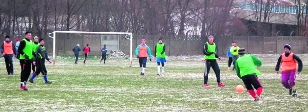 Drużyna seniorów w ramach przygotowań do rundy wiosennej rozegrała kilka spotkań sparingowych