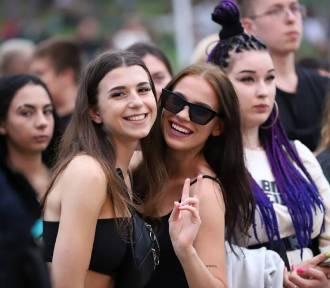 Zobaczcie najpiękniejsze dziewczyny festiwalu Rap Stacja 2021 w Sławie. Galeria zdjęć