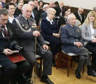 Premier odznaczył zasłużonych na 100-lecie niepodległości [ZDJĘCIA]